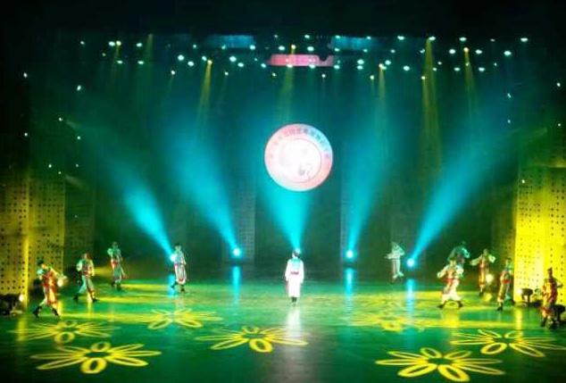 珠江灯光为电视舞蹈大赛 打造完美舞美灯光效果